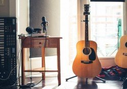 The best online guitar courses - instruments e1549387007259